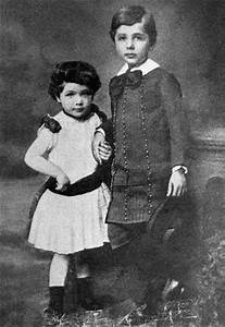 How Was Albert Einstein as a Child? Childhood & Early Life