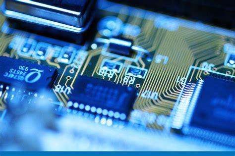 Datoru remontēt vai pirkt jaunu?   Blogs   primefinance.lv