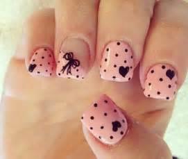 Different polka dots nail art ideas that anyone can diy