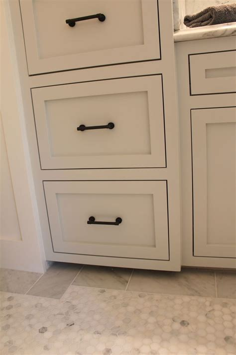 cabinet hardware  cabinet color  wickham gray