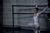 Review: 'Black Swan'-Natalie Portman can act a little ...
