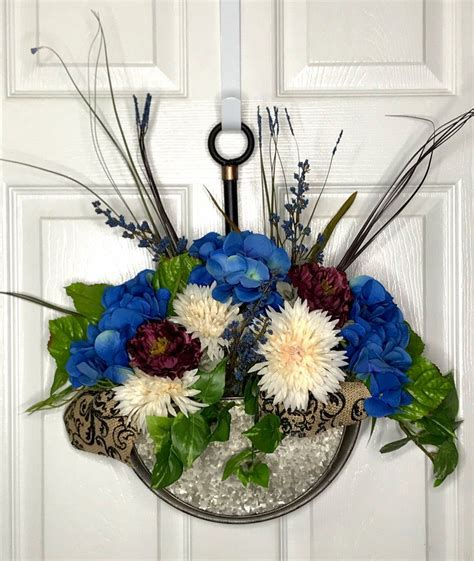 Check out our hydrangea wall decor selection for the very best in unique or custom, handmade pieces from our shops. Country Hydrangea Door Hanger | Metal wall decor, Wall ...