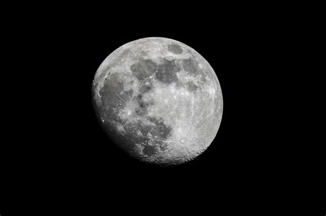 14 Tips For Shooting The Moon