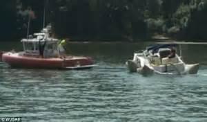 Boat Crash Hamlin by Dc Harbor Crash Into 2 Boats Sinking 1 In
