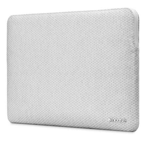 incase housse macbook pro 13 quot avec sans touch bar 2016 incase slim sleeve gris inmb100268