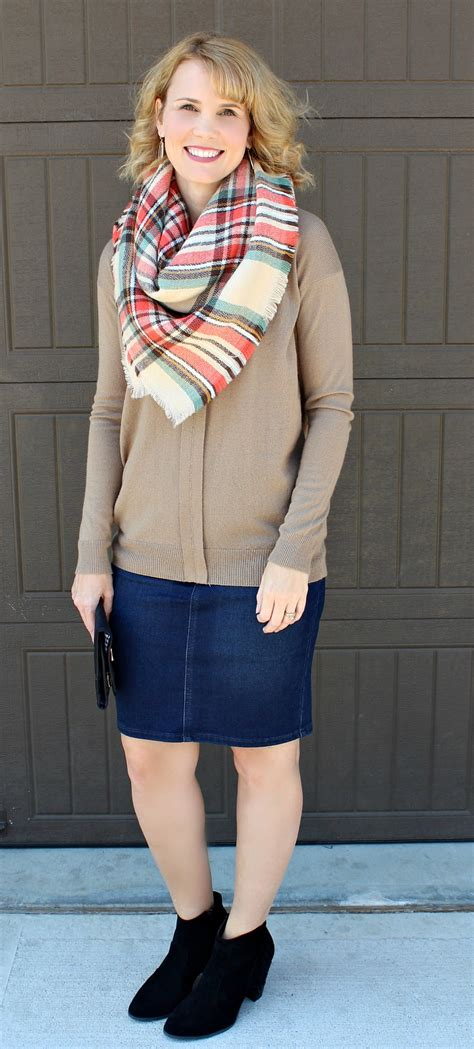 Day 2 Denim Skirt Outfits | Mom Fabulous