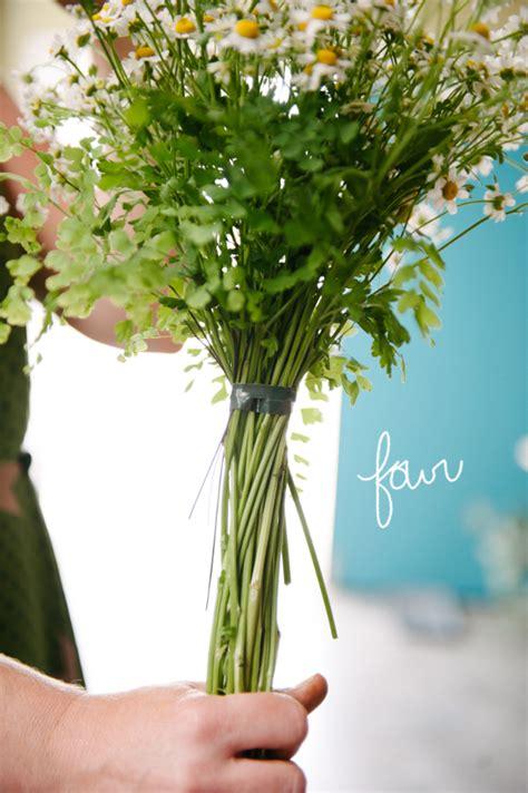 minimal wedding bouquet  practical