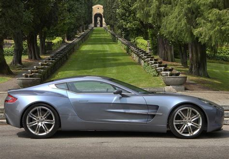 Aston Martin One-77 Review, Specs, Pictures, Price & Top Speed