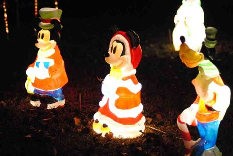 this man lights up raleigh happyland christmas lights a