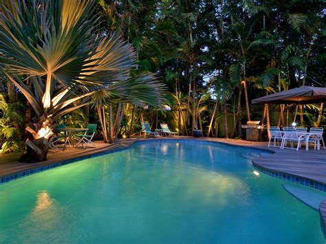 Inspired Makeover  Tropical Luxury  Homeaway Old Town