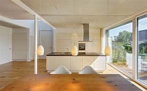 3d Architekt Küchenplaner : neubau eines ferienhauses mit holzfassade und hellem lichtband am meer modern esszimmer ~ Indierocktalk.com Haus und Dekorationen