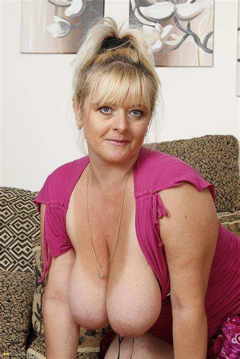 Blonde Mature Jessika Finger Her Clam Milf Fox