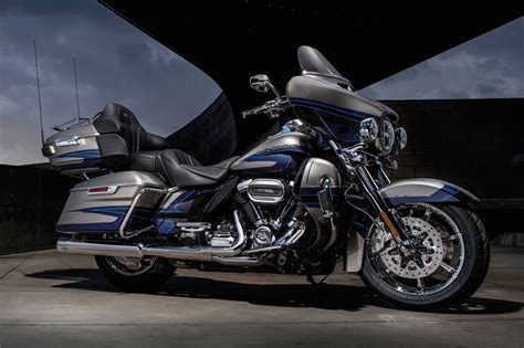 Harley Davidson Cvo Limited Hd Photo by 2017 Harley Davidson Cvo Limited 174 Motorcycles