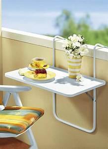 hangetisch fur balkon coole vorschlage With markise balkon mit tapete blumen schwarz weiß