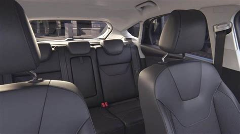 ford focus  dimensions boot space  interior