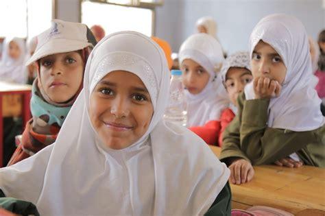 yemen saudi children teacher mean yemeni smiling arabia uae provide salaries finish classmates teachers sana 70m pay unpaid being millions