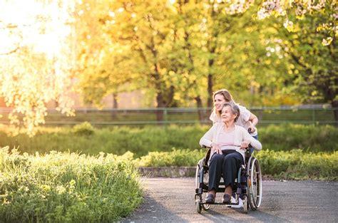 Vecu cilvēku aprūpe - Cenas un Klientu Atsauksmes