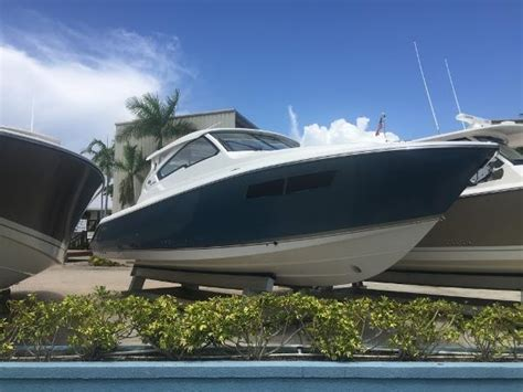 Pursuit Boats Dc 365 Price by 2002 Pursuit 3000 Express St Petersburg Florida Boats
