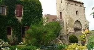 Maison du prince de conde a charroux 25505 for Chambre d hote a charroux