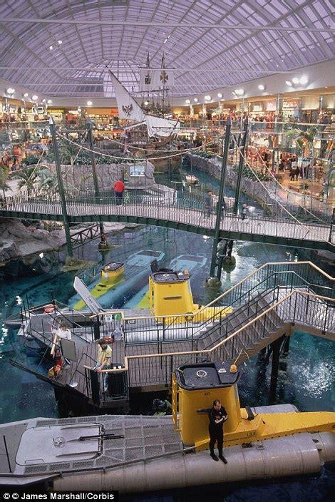 worlds  eye popping malls    ride roller
