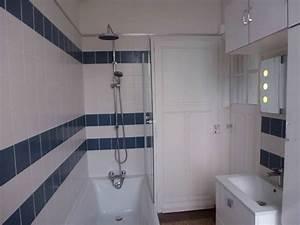 Carrelage Salle De Bain Blanc : 1 an 3 salles de bain 1 bleu et blanc ~ Melissatoandfro.com Idées de Décoration