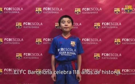Las FCBEscolas de todo el mundo cantan el himno del FC