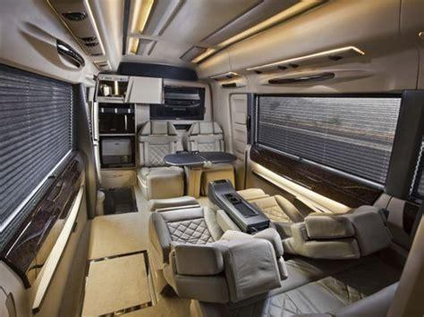 small  size big  luxury dc isuzu lounge review
