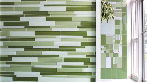 gallery 001 green wall glass tile reflections in glass tile