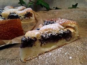 Mohnkuchen mit Äpfeln und Marzipan