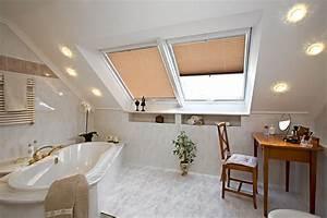 Plissee Rollo Für Dachfenster : sicht und sonnenschutz f r dachfenster aller art ~ Orissabook.com Haus und Dekorationen