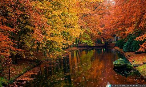 Dans Le Lac Paysage D'automne Fond D'écran Hd à