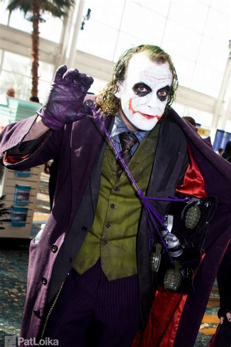 cosplay joker male night costumes costume dc comics dark batman amazing cosplayers cosplays comic harley halloween con agent makeup jokers