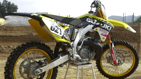 Ok Honda Suzuki by 2018 Suzuki Rm250 2 Stroke Suzuki Rm250ts Dirt Bike