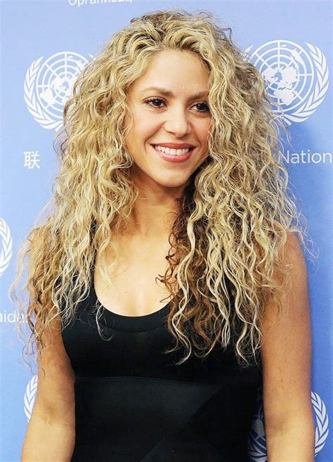 actress long curly hair actress with blonde curly hair hair color ideas and