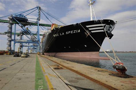 fos accueille premier porte conteneurs de 14 000 evp mer et marine
