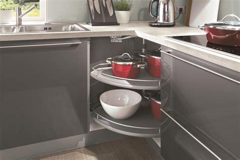 meuble d angle cuisine astuces pour meubles d angle cuisiniste aviva