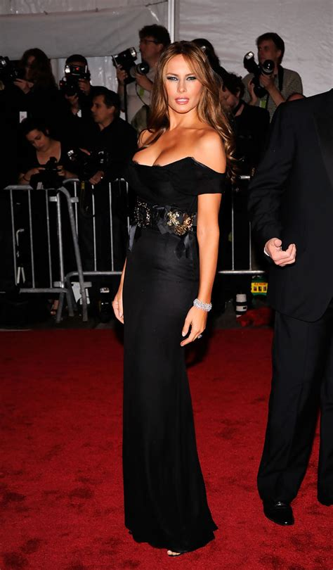 melania trump dresses dress knauss gala donald met lady gown stylebistro embodying muse evening institute costume looks skirts gowns 2009