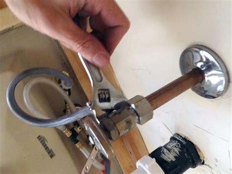 How To Replace A Bathroom Faucet  Howtos Diy