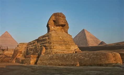 Pyramids Of Giza The Sphinx The Pyramids Of Giza Built
