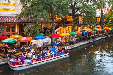 San Antonio River Boat Dinner by Dinner River Cruise And Dining At River Walk San