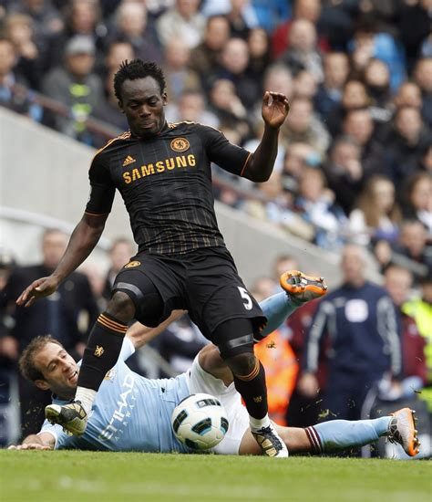 Chelsea Attempt to Force Michael Essien Out of Stamford ...