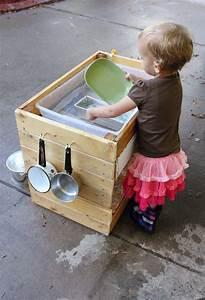 Outdoor Spielzeug Für Kleinkinder : ruby 39 s mud pie kitchen outdoor spielzeug ideen kinder spielideen und kindergeschenke ~ Eleganceandgraceweddings.com Haus und Dekorationen