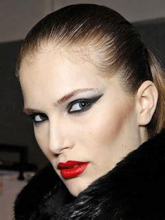 fall  wild eyeliner makeup trend