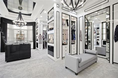 Million Dollar Closets Episodes by Tour The Epic Closet That Looks Just Like A Chanel