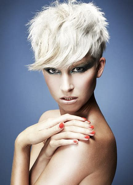 Mid Length Pixie Hairstyles by Pictures Medium Pixie Haircuts For Razored