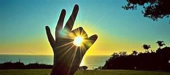 Những điều giản dị của hạnh phúc Th?id=OIP.BD8FEYi2GeIwnRJ0AQpNLAHaDQ&pid=15
