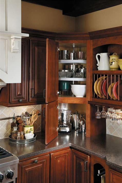 corner kitchen cabinet ideas 25 best ideas about lazy susan spice rack on