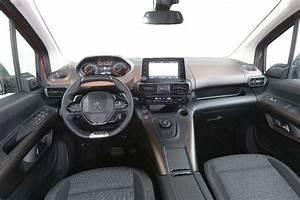 Peugeot Rifter Interieur : essai auto le peugeot rifter pr t pour l action sud ~ Dallasstarsshop.com Idées de Décoration