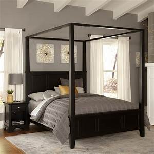 Stunning bedrooms flaunting decorative canopy beds for How to buy king size canopy bed
