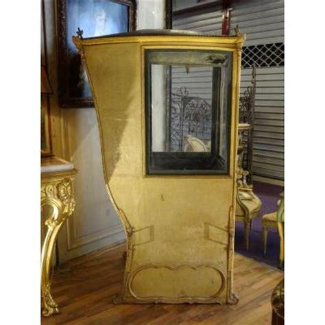 chaise a porteur chaise à porteur époque xviiième siècle chaises tabourets